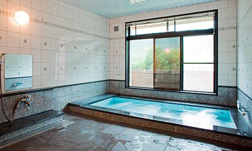 浴場「悠湯館」